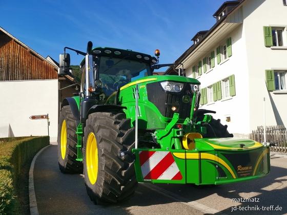 6145R mit Tractor Bumper